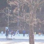 天然の氷でできた上サスケート場!子供も楽しめる!